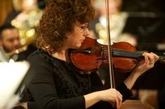 Maura Pelinsky, violin